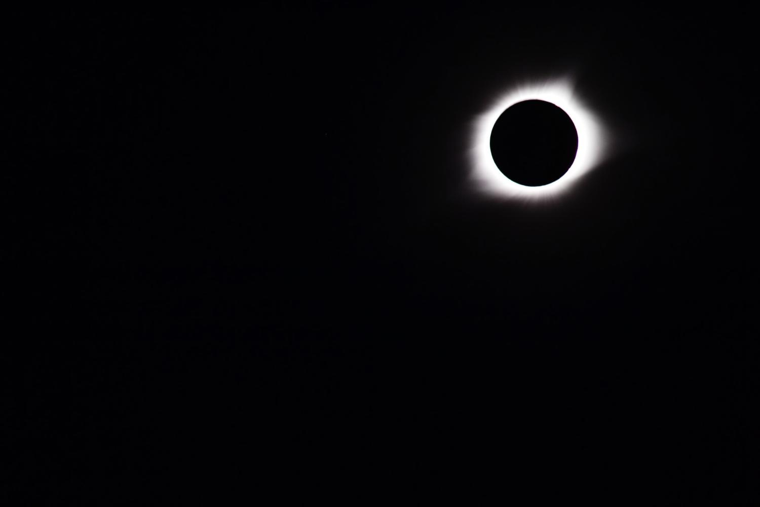 Total+Eclipse+8%2F21%2F17.++People+were+able+to+remove+their+eclipse+glasses.+This+picture+was+taken+with+the+solar+filter%2C+which+made+normal+light+impossible+to+see.++Being+able+to+see+the+outer+rays+of+the+sun+with+a+filter+shows+how+bright+the+sun+is%2C+regardless+of+an+eclipse.