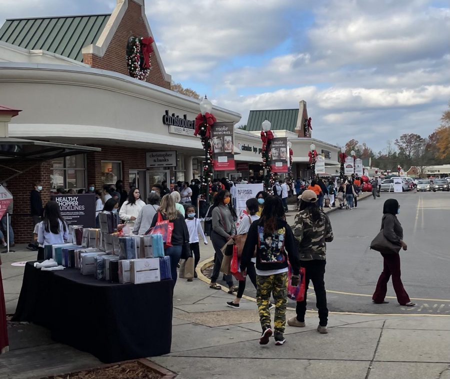 Thousands of shoppers flocked to the Williamsburg Premium Outlets on Black Friday, an event many fear will be a super spreader