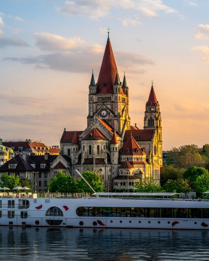 The architecture in Vienna plays a key role in the artistic culture of the city.